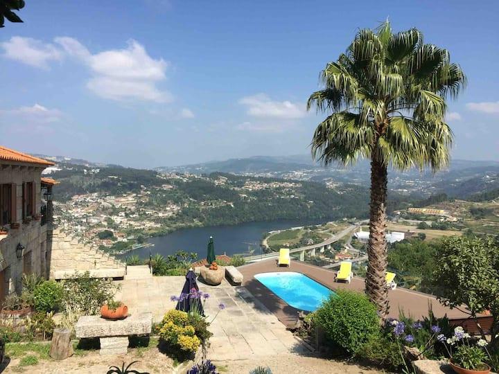 Douro and Tâmega with Pool- Quinta do barroco