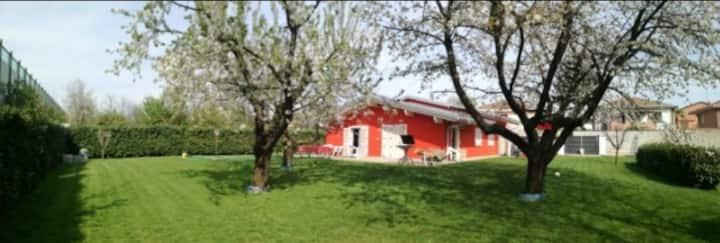 Stanza privata in villa tra Milano,Como&Rho fiera.