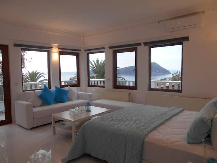 Deluxe Kinira Triple Room KINIRA Beach Hotel
