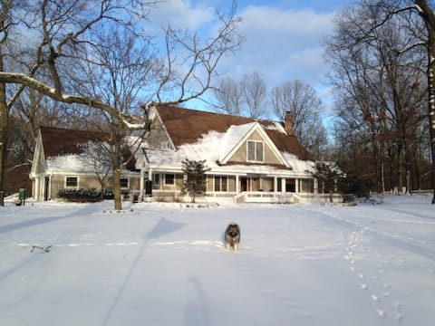Peaceful space on acreage in Ada, close to Amway