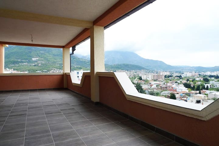 Apartment-floor with terrace overlooking the sea - Stari Bar - Apartment