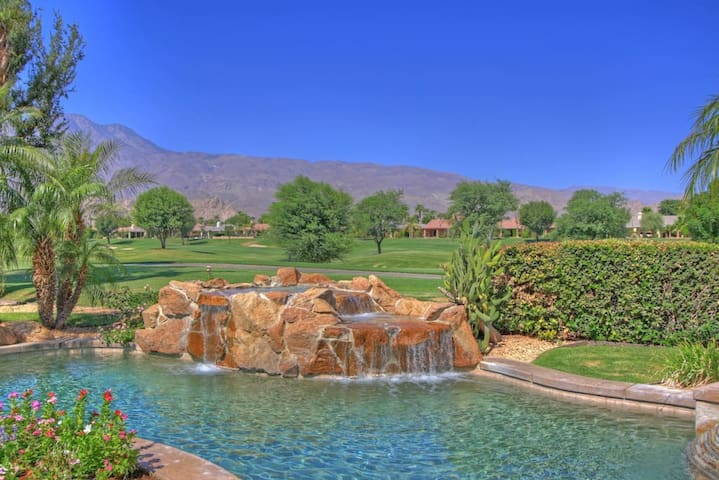 PGA West, heated pool, best views, vacation+++