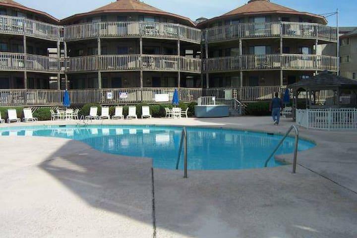 Outer Banks Beach Club I - 1 BR - Oceanside Condo