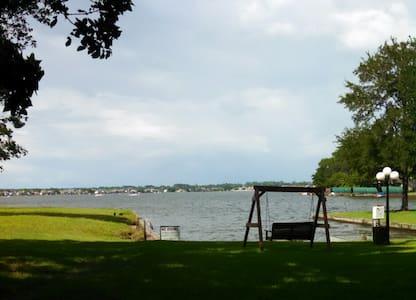 The Blue View on Lake Conroe - Montgomery - Selveierleilighet