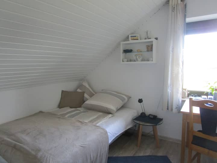 Zimmer in Kanalnähe (unsere kleine Variante)