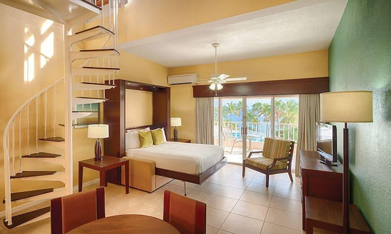 CW Elysian Beach Resort, studio parlor loft