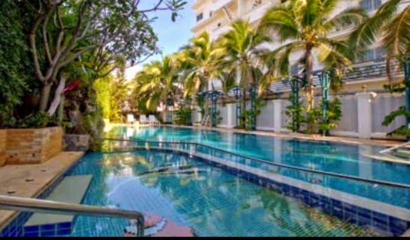 NEW!Stunning Private Mountain View 1Br Pool Condo