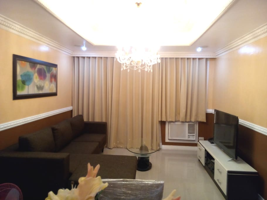 Classic victorian 2 bedroom robinsons place malate - 2 bedroom apartment for rent manila ...
