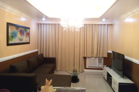 Classic Victorian 2 Bedroom Robinsons Place Malate - 马尼拉