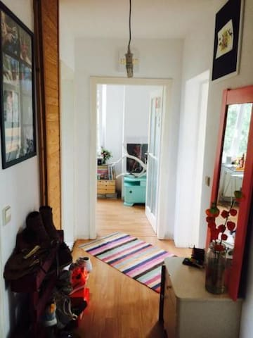 Cosy Room close to Prenzlauerberg with SUNNY-FLAIR - Berlin - Flat