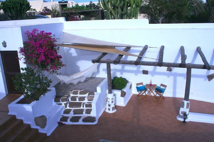 La Finca  B&B, Lanzarote - Güime - Bed & Breakfast