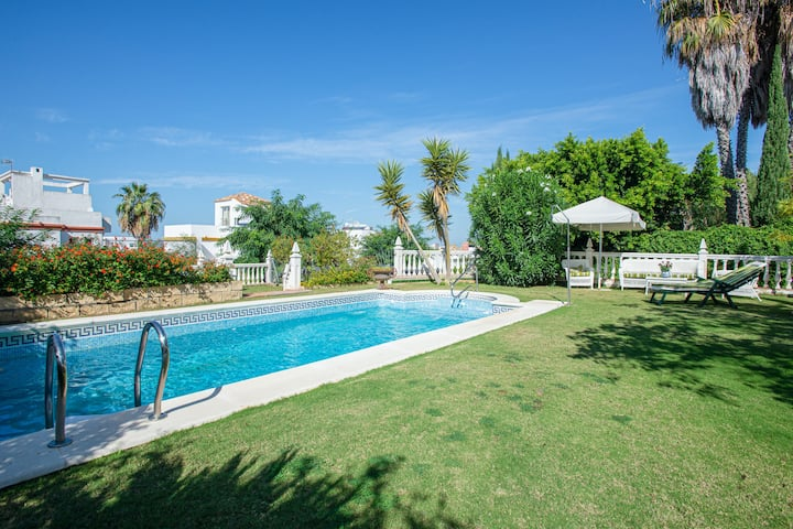 Villa with 4 bedrooms in Sanlúcar de Barrameda, with wonderful sea view, private pool and furnished terrace - 2 km from the beach