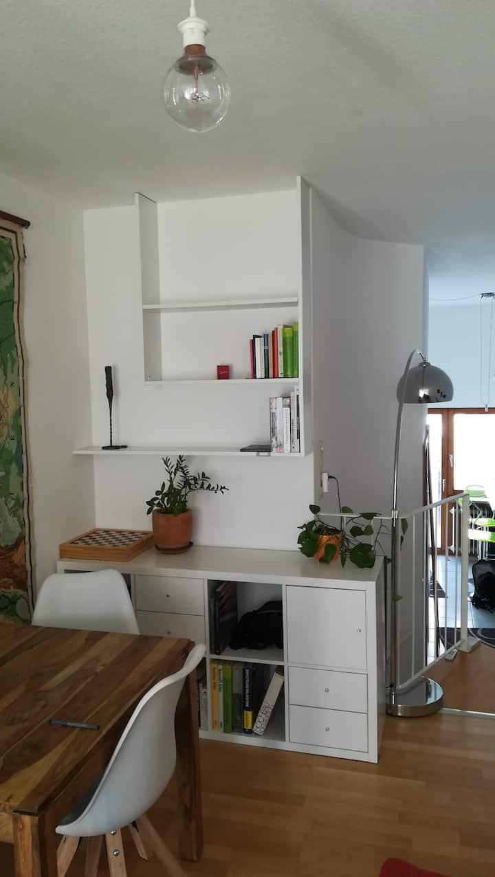 Außergewöhnliche 2 Zimmer Wohnung in ruhiger Lage