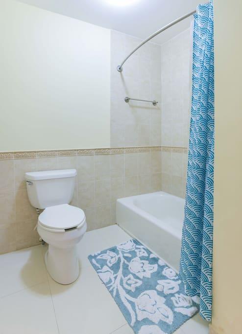 Bluebell Room-Bath Room