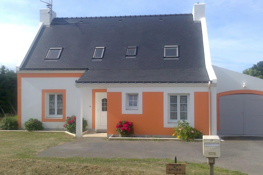Maison 140m2 avec grand jardin maisons louer for Maison 140m2