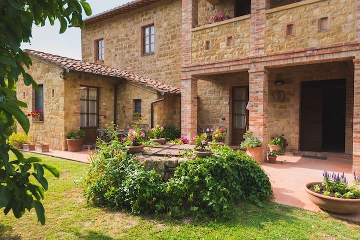 Ospiti in un antico casale a Pienza - Pienza - Huoneisto