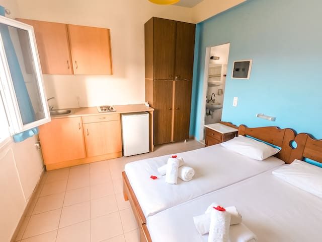 Apartment with sea view (up to 5 persons)