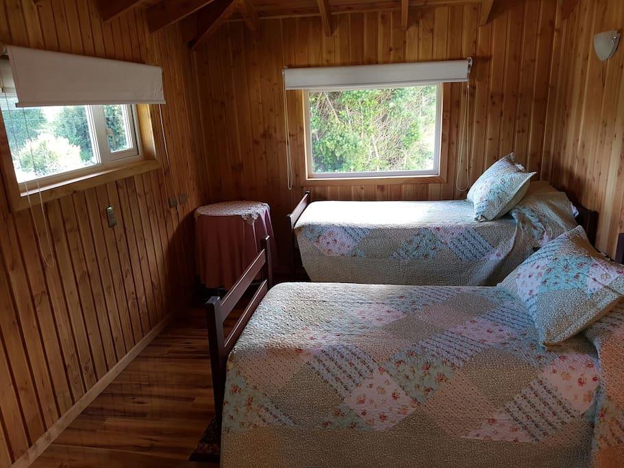 Dormitorio en segundo piso, 2 camas 1 plaza