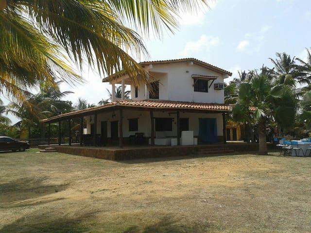 Casa de playa y servicio de Lanchas -  El Marite - House