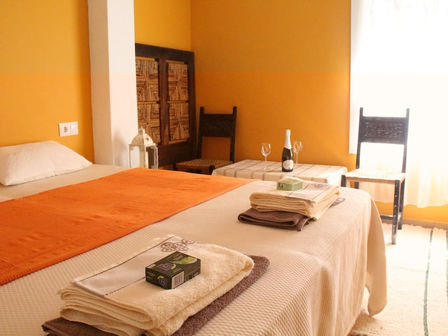 Lovely private room breakfast bed breakfasts for for Beds 4 u malaga