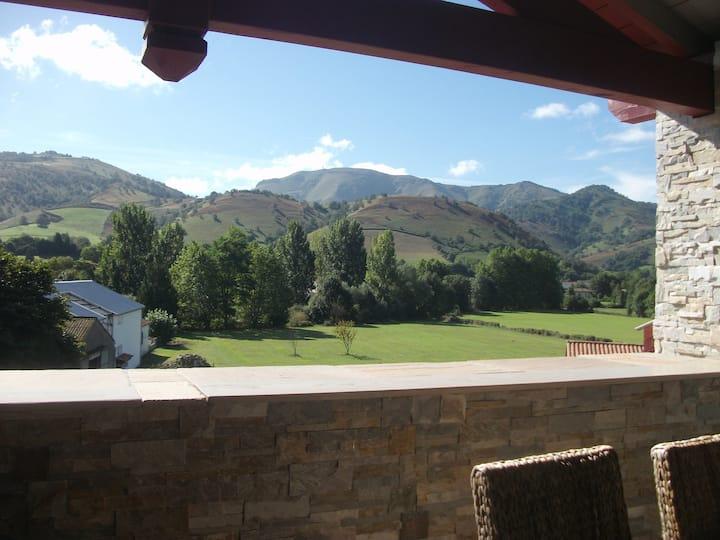 Au coeur du Pays Basque, entre montagne et océan