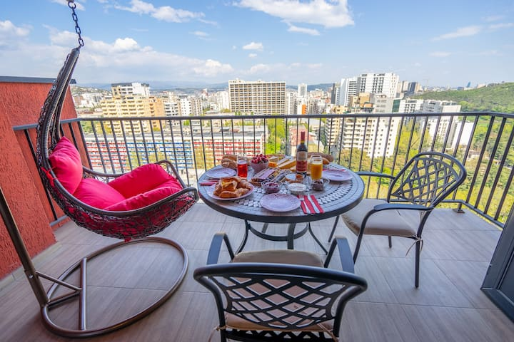 17th Floor Apartment with Balcony and View 257