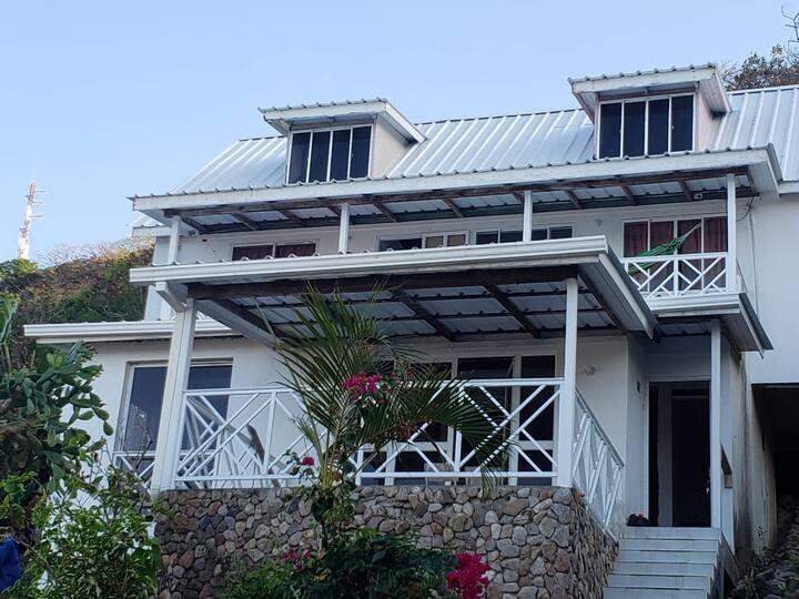 PAU'S GUEST HOUSE, Descanso, Paz y Tranquilidad.