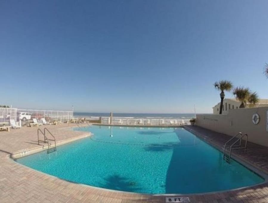 Pack Your Bag To Daytona Beach Condominiums For Rent In Daytona Beach Florida United States