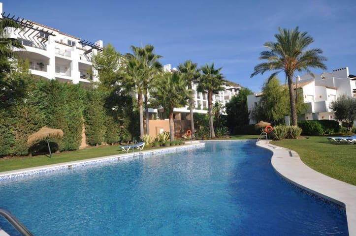 Amazing 3 Bed Corner Penthouse in La Quinta - Benahavís