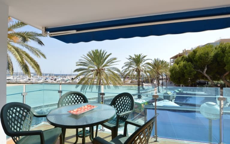 2 bedrooms apto at 50 mts of the beach