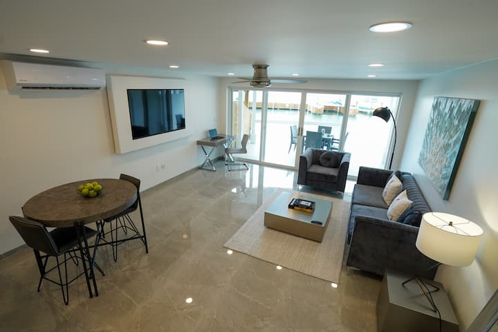 Waterfront vacation home in Jolly Harbour