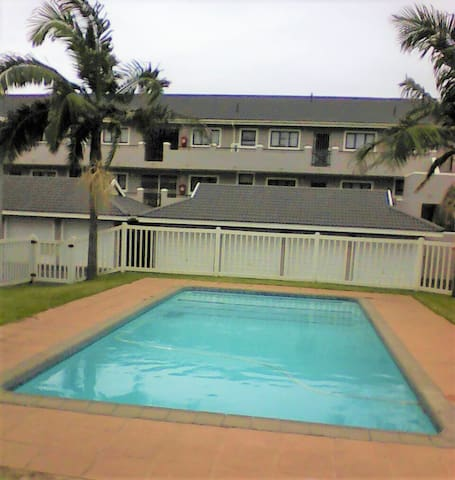 SeaDucer Tours - Self-Catering 3 Bedroom Unit - Margate - Appartement