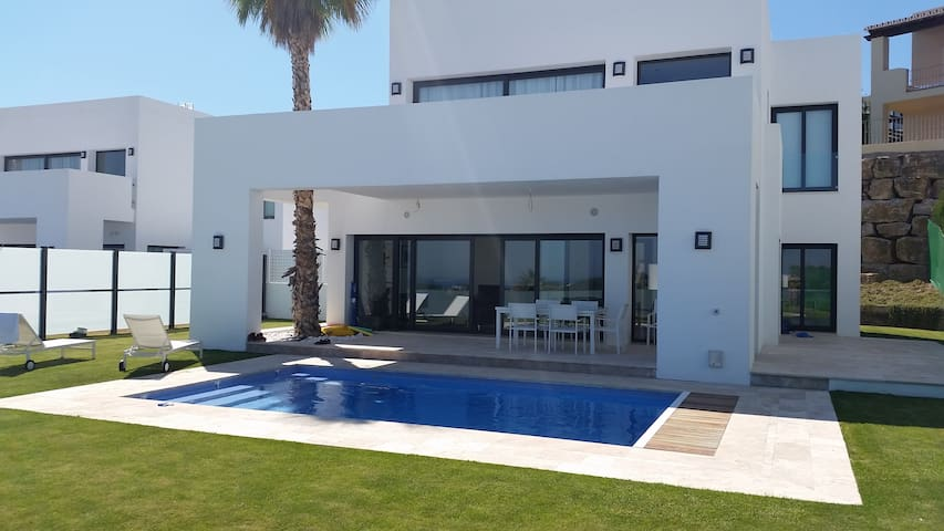 Luxury Contemporary New 5 Bed Villa - Benahavis - Villa