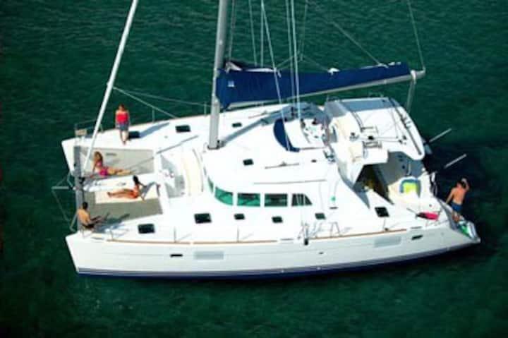 Sail Belize on Island Girl, 44ft Lagoon Catamaran