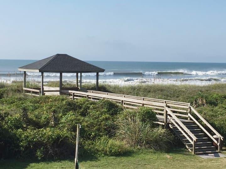 🏖 Beachfront Studio_Private Beach Access_Kitchen