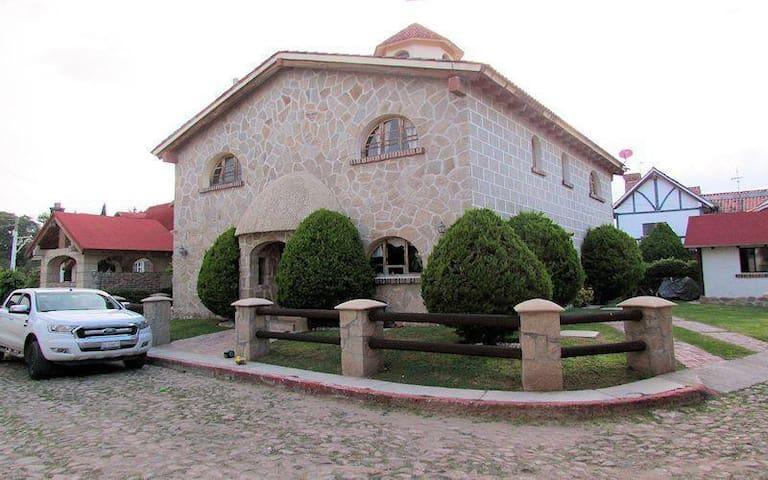 casa tipo europeo (10 personas)