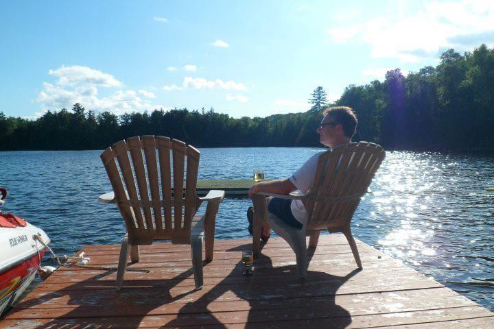 Rebecca Lake Cottage Rental - Huntsville - Cabana