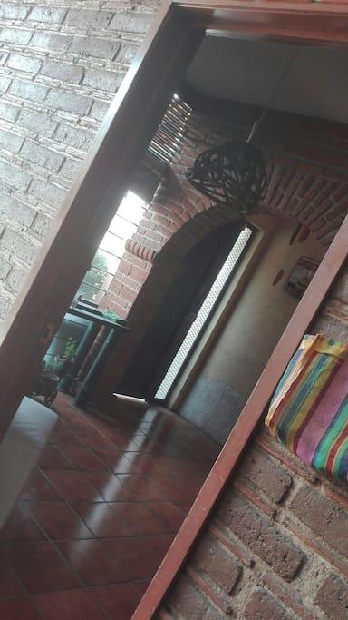 la entrada para las habitaciones