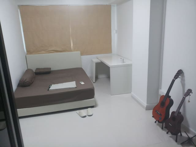 Tampines mrt 3 min away/near airport/ 6 month stay