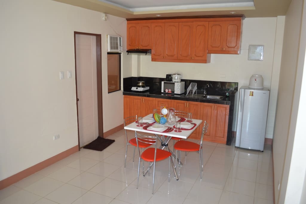 Airconditioned Living Room and Kitchen