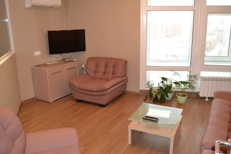 3 х комнатная квартира в центре - Омск
