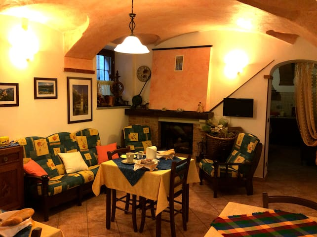 L'Antico Borgo Double room/Truc - Caprie - Bed & Breakfast