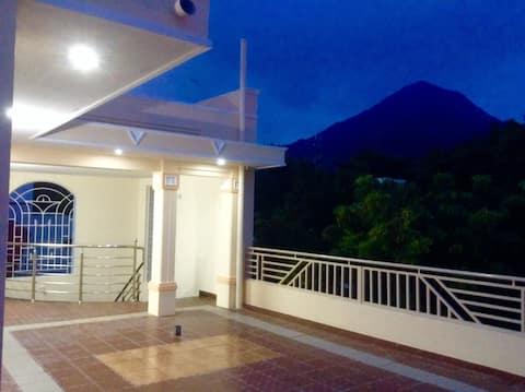 Mountain House 2 BR-TopFloor close by RamanaAshram
