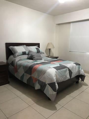 Amplio y cómodo departamento - Guadalajara - Wohnung