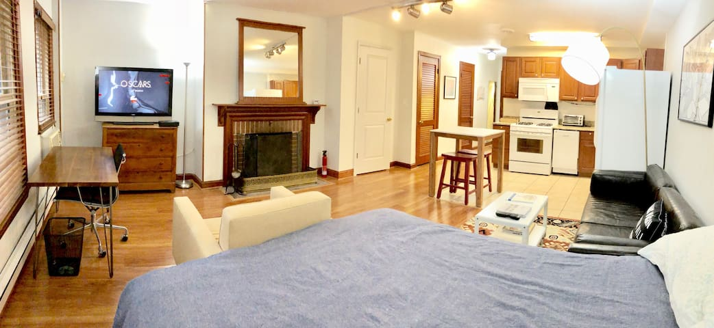 Charmer in Capitol Hill - walkable to major sites!