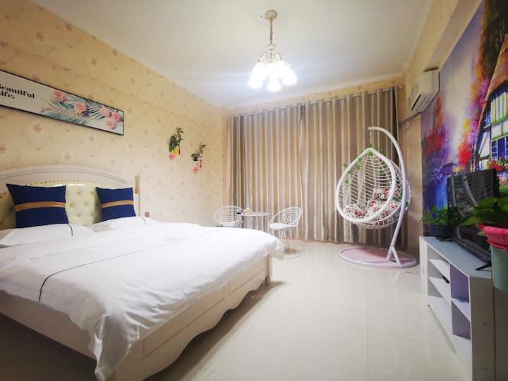 欧式浪漫主题公寓