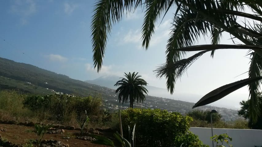 Beautiful 4 bed apartment with Teide view - La Victoria de Acentejo - Apartamento