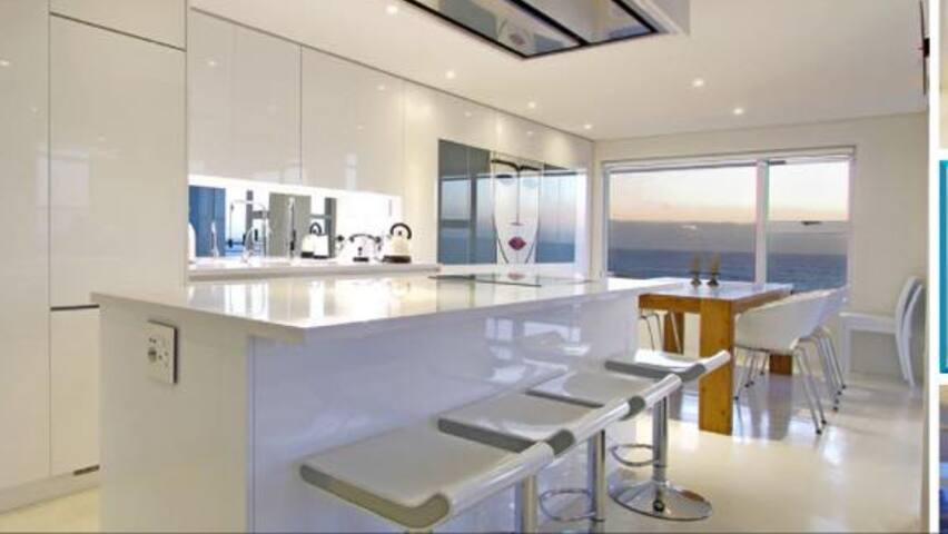 Exquisite beach front apartment - Cape Town - Apartment