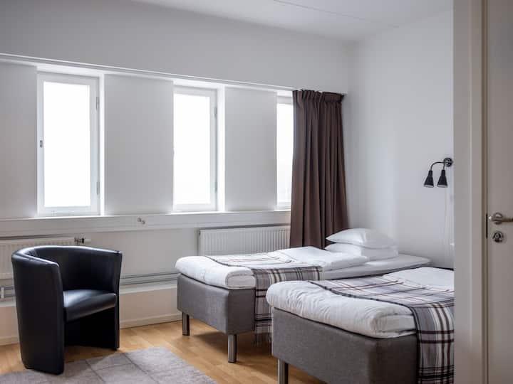 Studio apartment-kitchen-bath-TV-wifi-gym (427)