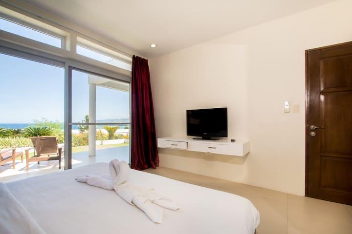 1 Bedroom Ocean View Villa Suite-B